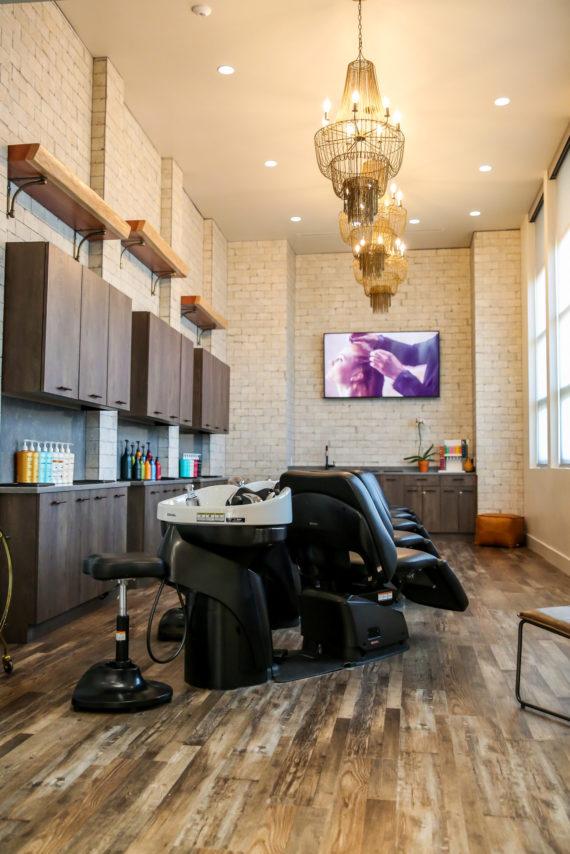 l'evation salon shampoo area